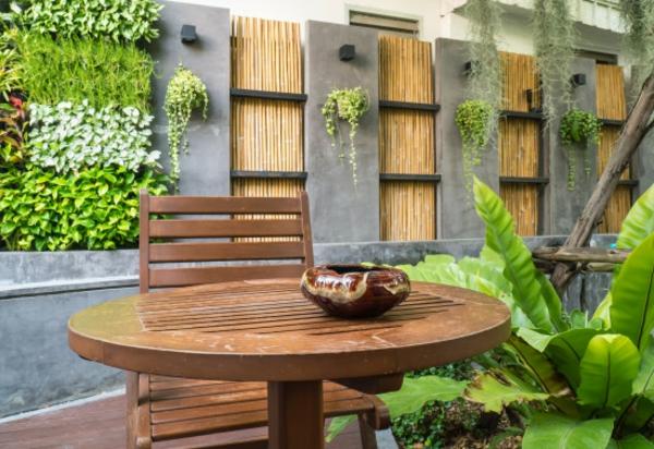 La canisse bambou une cl ture de jardin jolie et cologique for Comment entretenir un salon de jardin en bambou
