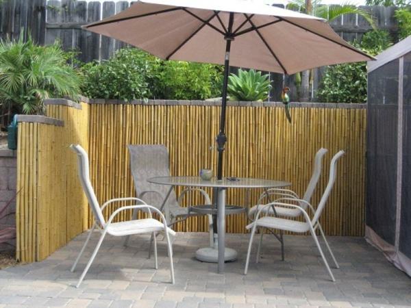 canisse-bambou-pour-un-coin-privé-du-jardin