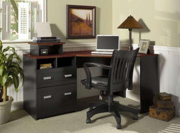 chaise-en-noir-pour-votre-bureau-avec-un-table-et-chaise-d'office