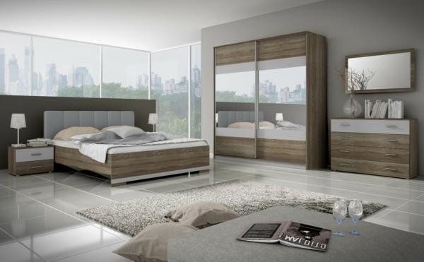 chambre-à-coucher-avec-un-miroire-sur-l'armoir
