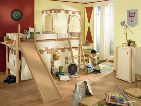 construction-de-lit-escamotable-en-bois