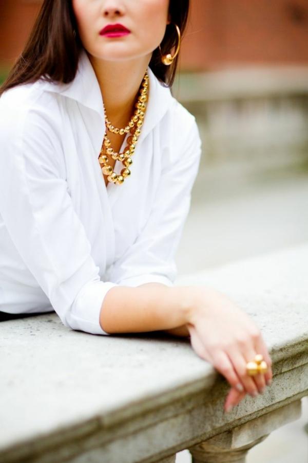 contemporain-look-avec-chemise-blanche-femme-