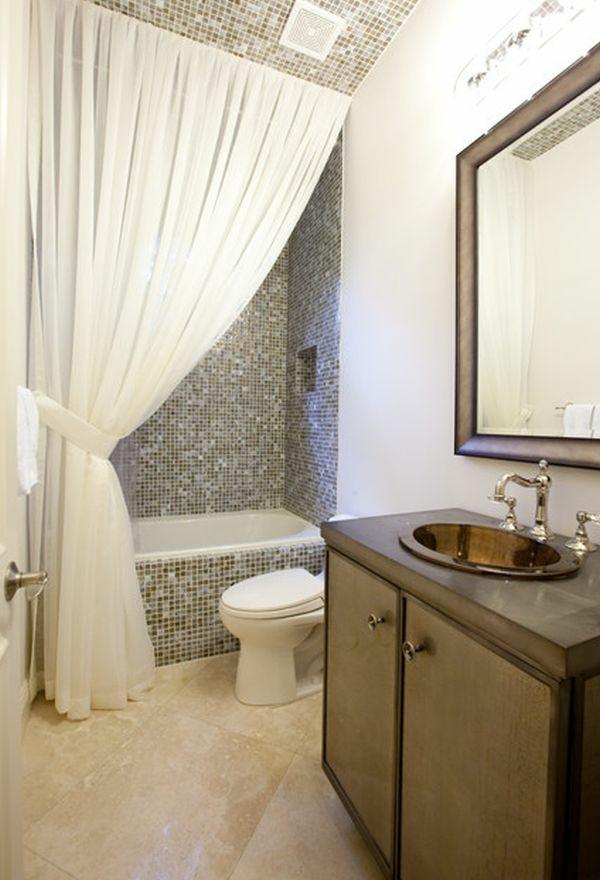cool-design-en-blanc-rideau-pour-la-salle-de-bain