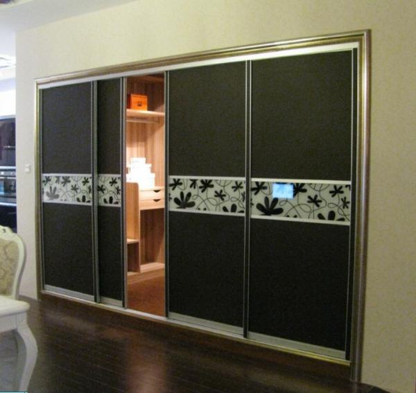 cool-design-en-noir-avec-un-motif-original