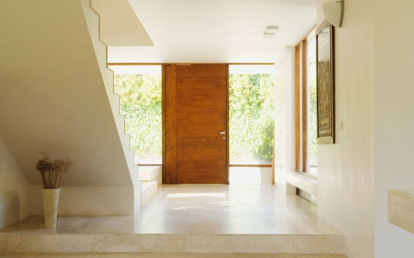 cool-design-pour-une-maison-luxueuse-et-élégante-avec-un-style-minimaliste-en-blanc-et-décoration-du-bois