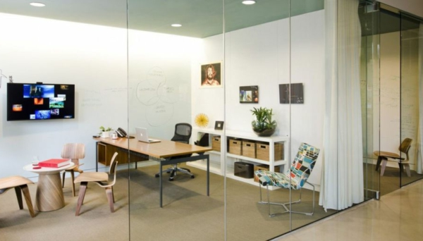 La chaise du bureau en bois r tro moderne for Bureau futuriste