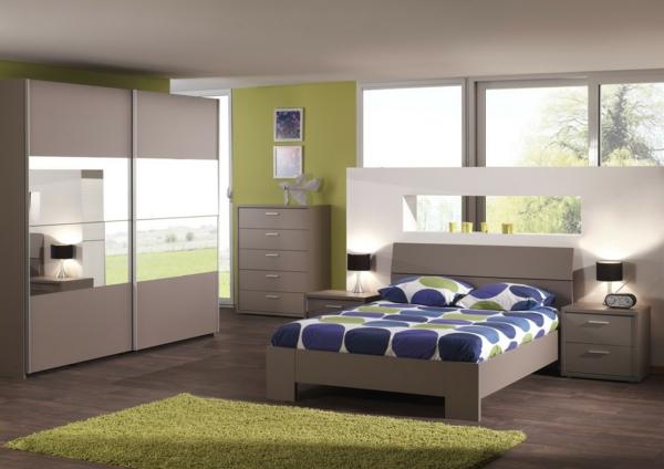 cool-design-pour-votre-chambre-à-coucher-en-bois-avec-décoration-sur-les-drapeaux