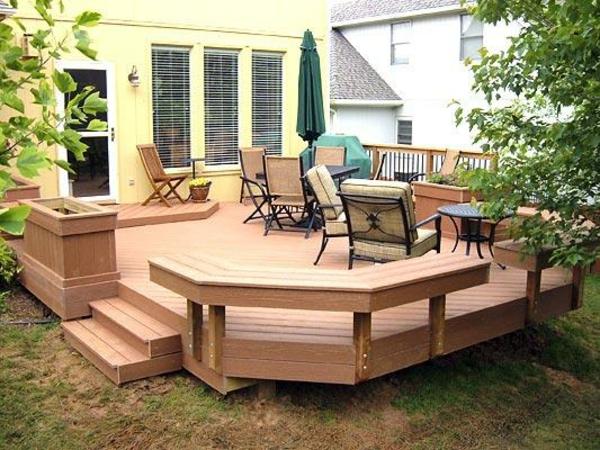 Pas cher entretien pour la terrasse en bois composite