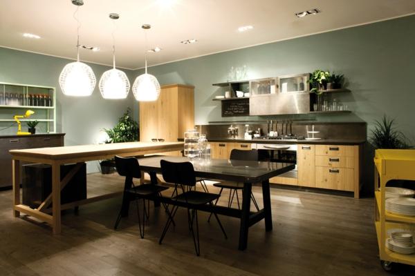 cuisine-ouverte-sur-la-salle-à-manger-grandes-lampes-pendantes