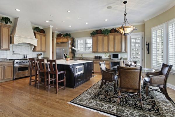 cuisine-ouverte-sur-la-salle-à-manger-intérieur-luxueux