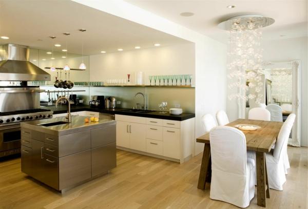 cuisine-ouverte-sur-la-salle-à-manger-lustre-magnifique