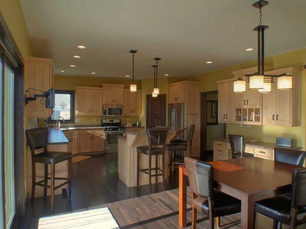 cuisine-ouverte-sur-la-salle-à-manger-style-cosy-traditionnel