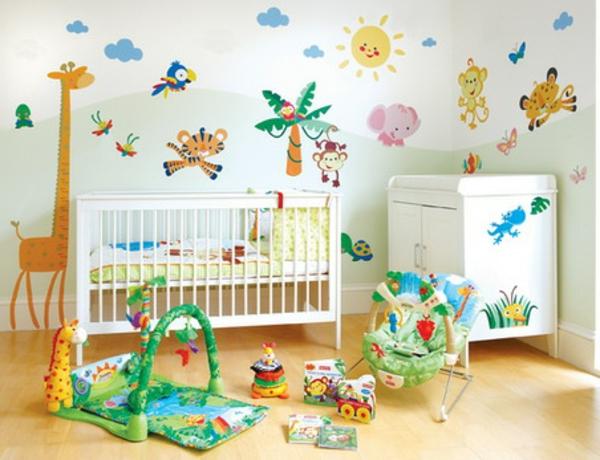décoration-chambre-bébé-animaux-colorés-amusants