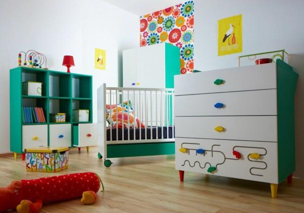 décoration-chambre-bébé-couleurs-vives-etidée-déco-amusante