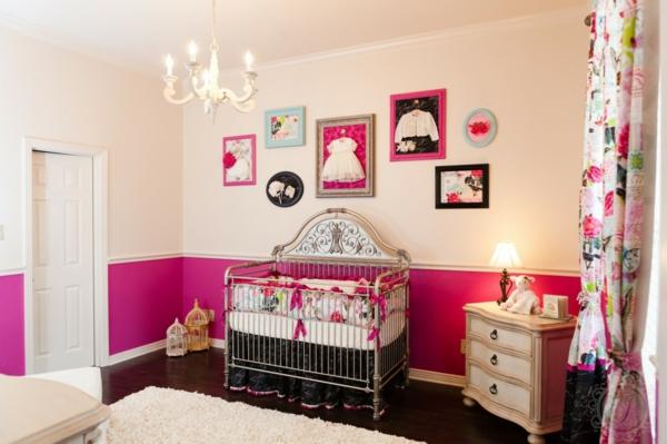 décoration-chambre-bébé-suspension-baroque-et-tableaux-artistiques