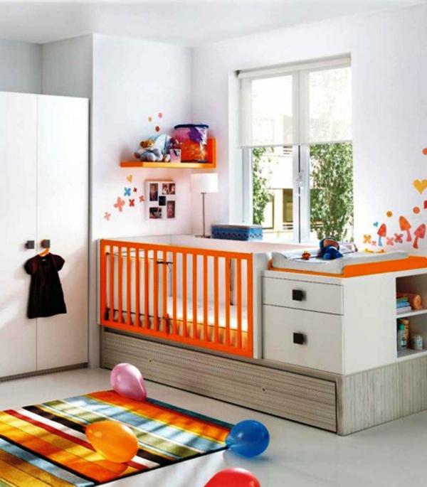décoration-chambre-bébé-tapis-rayures-un-lit-avec-rangement