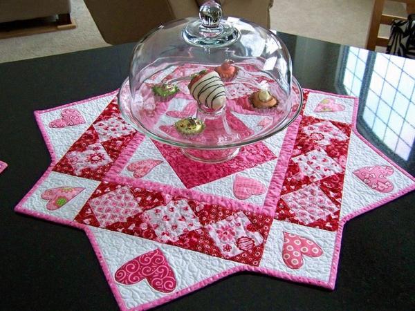 des-gateaux-décoration-pour-votre-table-de-saint-valentin