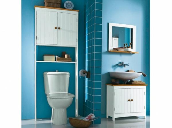 en-bleu-pour-une-salle-de-bain-classique