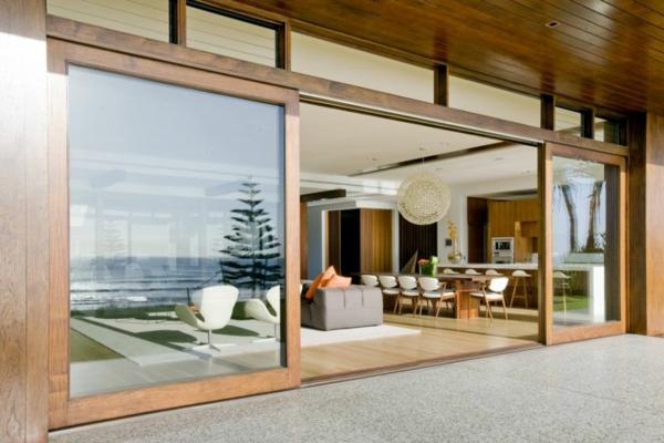 grande-portes-vitrée-pour-votre-maison-minimalsite-costruit-en-bois
