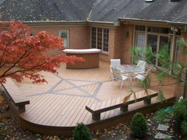 idée-de-terrasse-en-bois-composite-pour-le-court