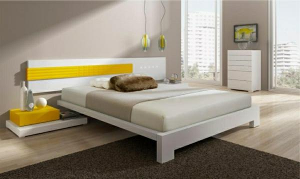 idées-déco-chambre-coucher-couleurs-naturelles-tête-lit-blanc-jaune-accents-gris-suspensions-jaunes