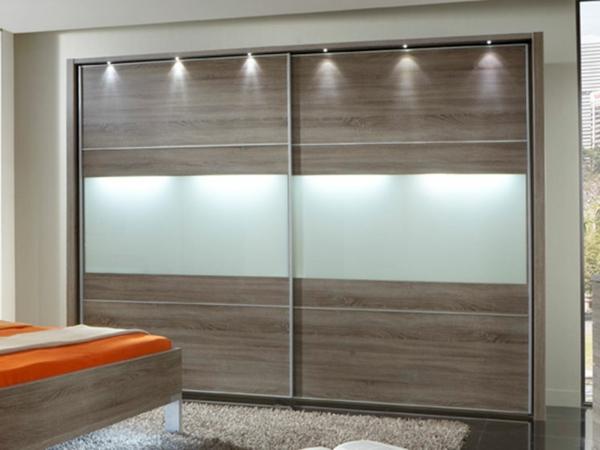 l 39 armoire avec porte coulissante pour la chambre a. Black Bedroom Furniture Sets. Home Design Ideas