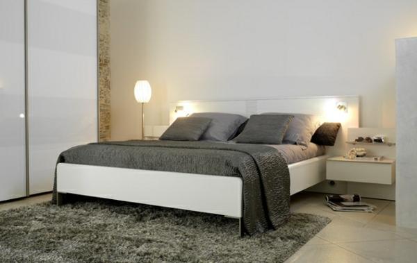lits-unique-et-décoration-de-simple-et-élégante-chambre