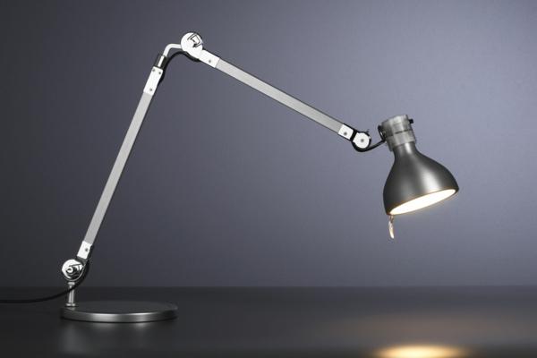 luminaire-plastique-pour-bureau-et-office-meuble