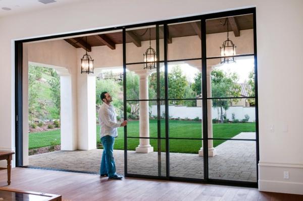 La porte coulissante vitr e la peinture est la nature - Baie vitree interieure type atelier ...