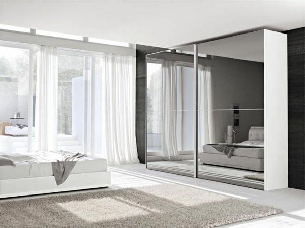 maison-moderne-en-blanc