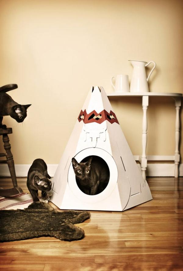 maisonnette-pour-chat-maisonnette-triangulaire