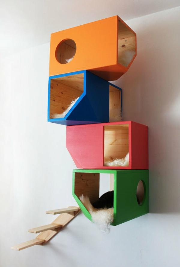 maisonnette-pour-chat-maisonnettes-colorées-suspendues