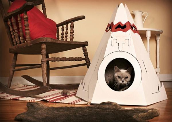 maisonnette-pour-chat-un-beau-design-triangulaire