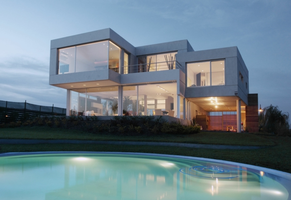 Les maisons contemporaines fonctionnalit maximale et - Maison architecte design futuriste silvestre ...