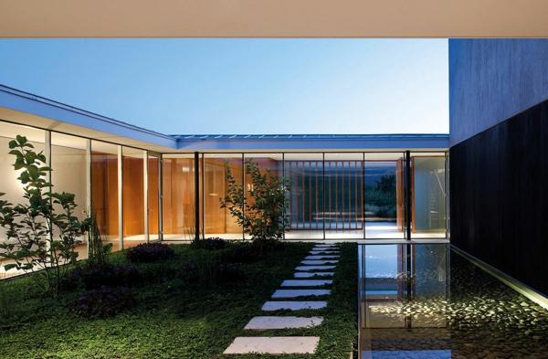 Maisons contemporaines déco zen extérieure