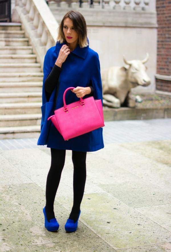 manteau-cape-bleu-magnifique