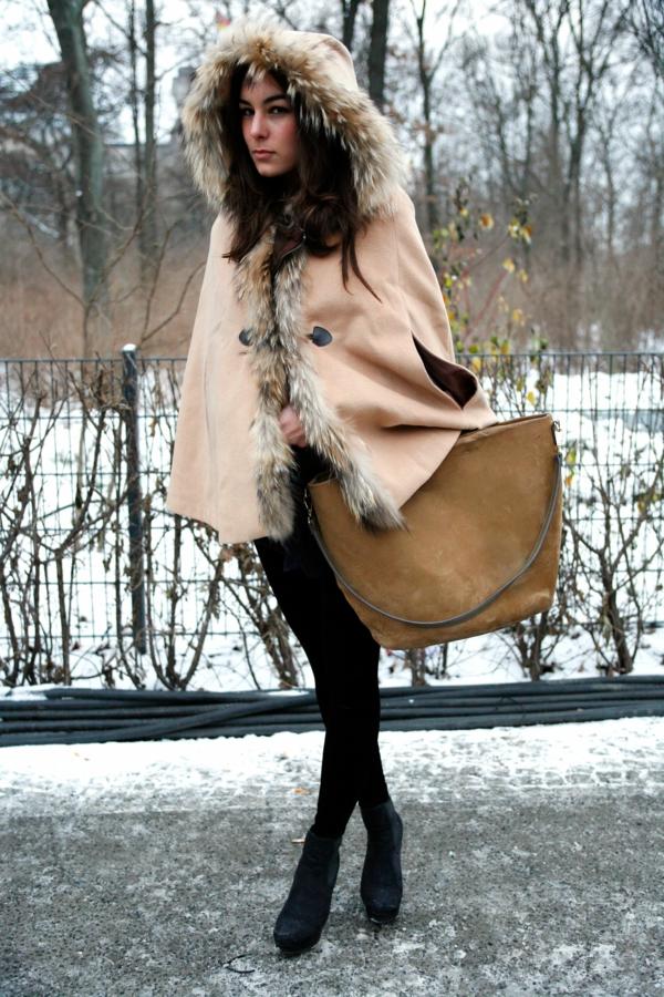 manteau-cape-couleur-pêche