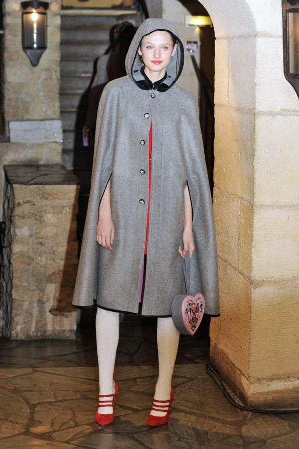 manteau-cape-gris-longue-taille