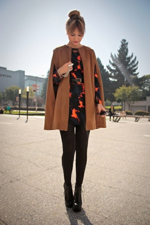 manteau-cape-en-orange-sombre