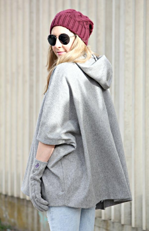 manteau-cape-en-textile-gris-clair