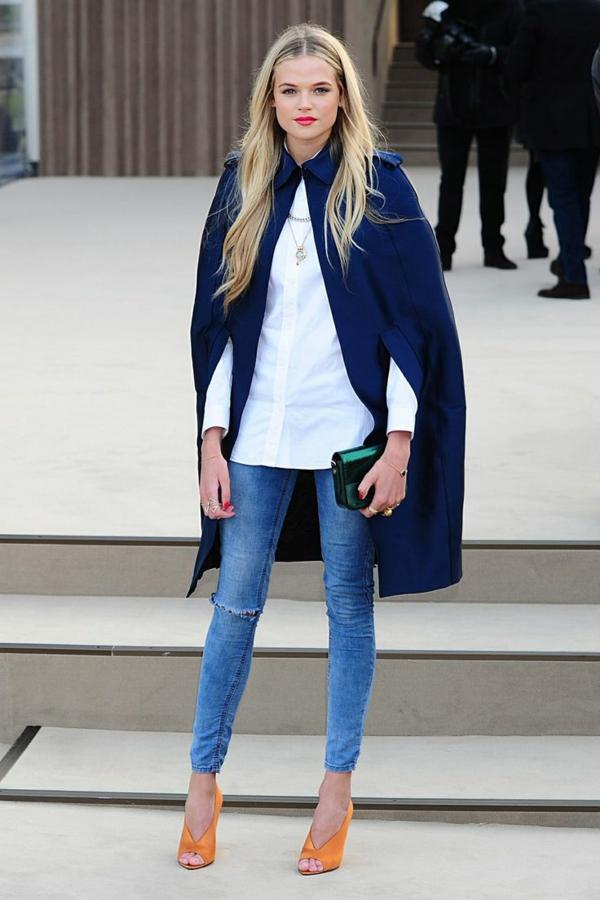 manteau-cape-et-jeans
