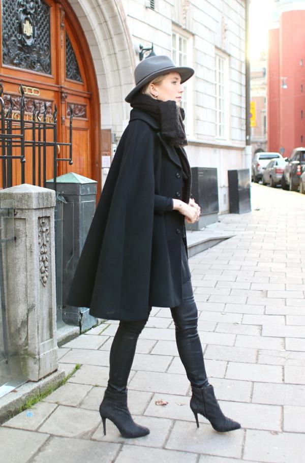 manteau-cape-noir-classique