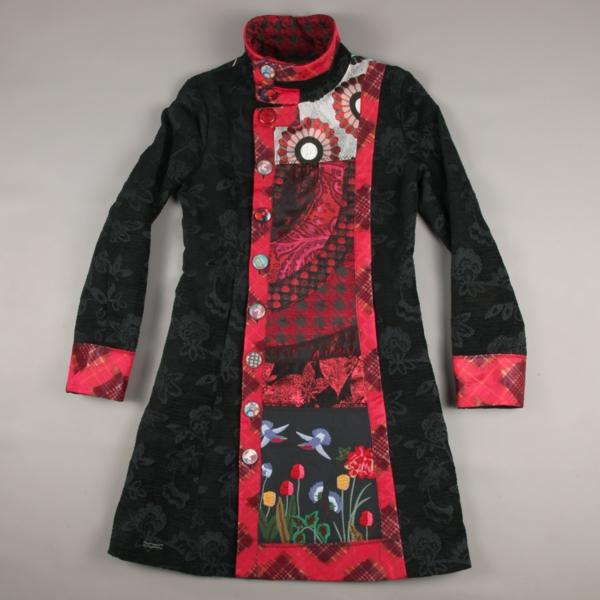 manteau-desigual-design-en-rouge-et-noir