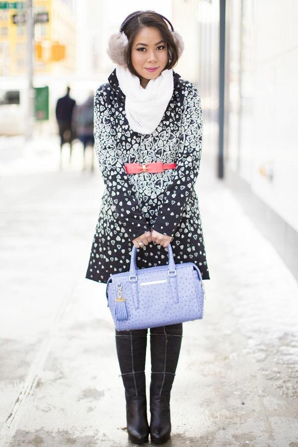 manteau-desigual-design-noir-et-prints-blancs