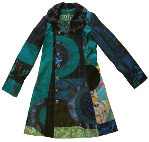 manteau-desigual-en-noir-et-vert