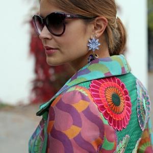 Le manteau desigual - une mode de joie et de couleurs