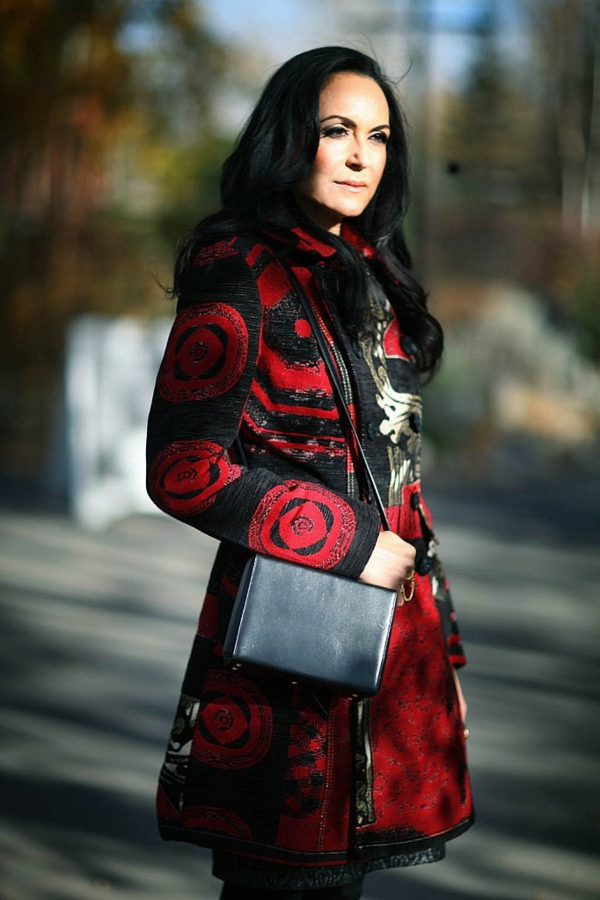 manteau-desigual-modèle-en-rouge-et-noir