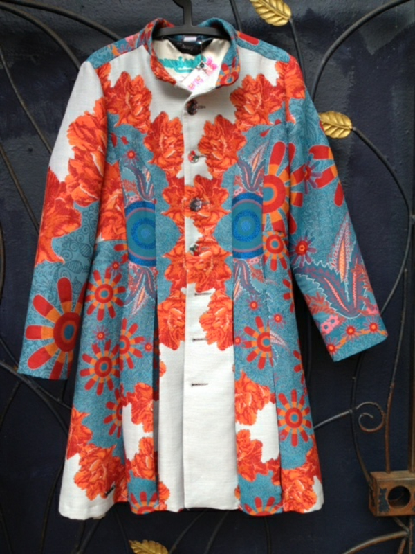manteau-desigual-motifs-oranges-et-turquoises