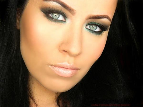 maquillage-smokey-eyes-teintes-vertes