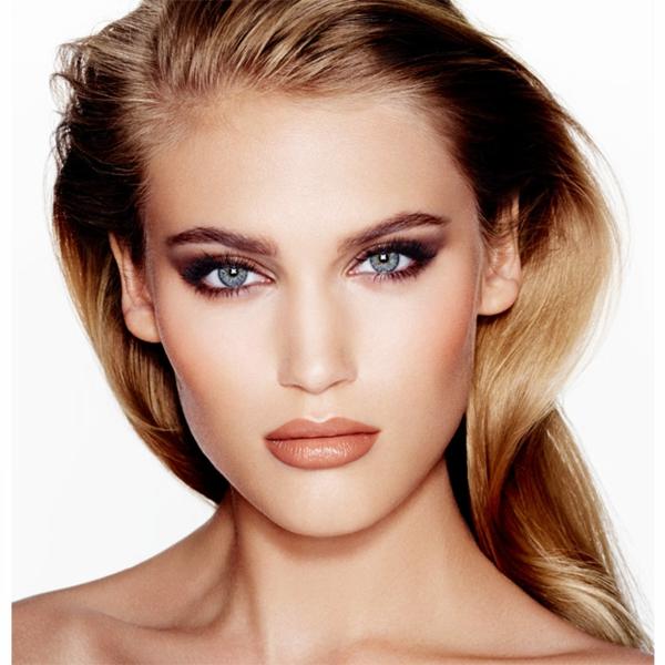 maquillage-smokey-eyes-pour-un-visgae-énigmatique